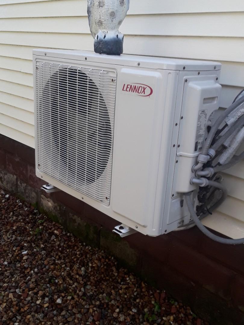 Fitchburg, MA - Clean and check Lennox mini split system
