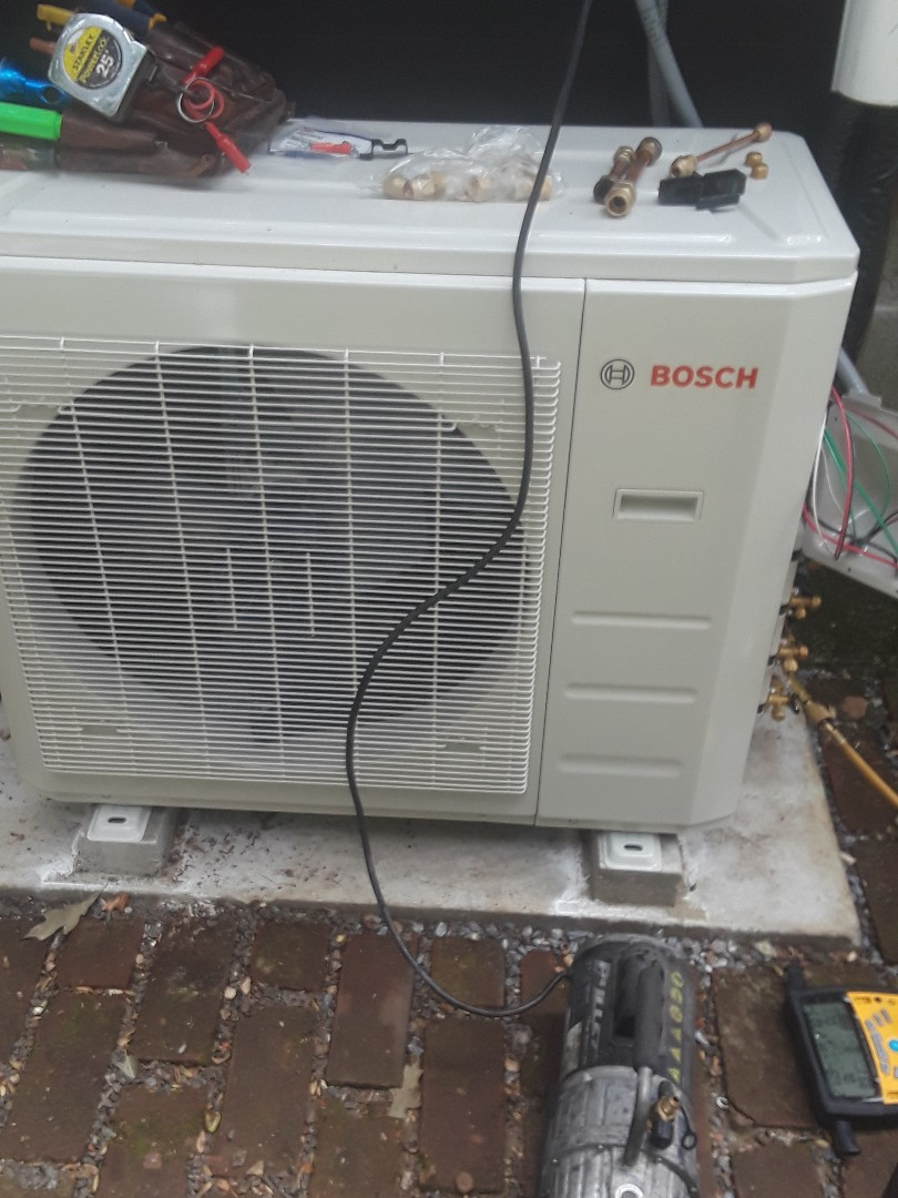 Lunenburg, MA - Repair on a Bosch mini split system