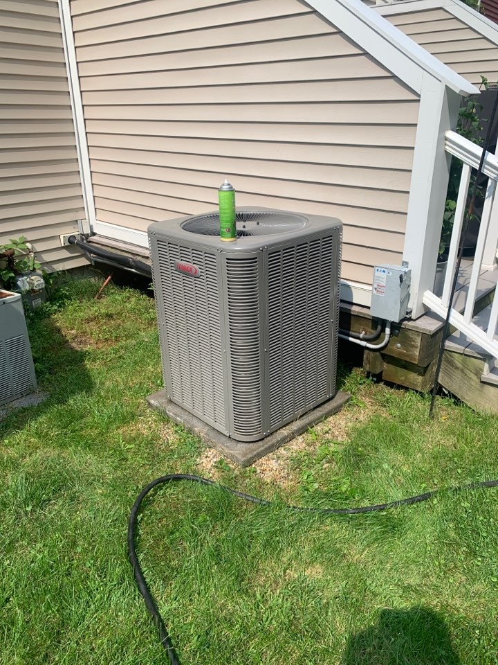 Leominster, MA - Service on a Lennox air conditioning system