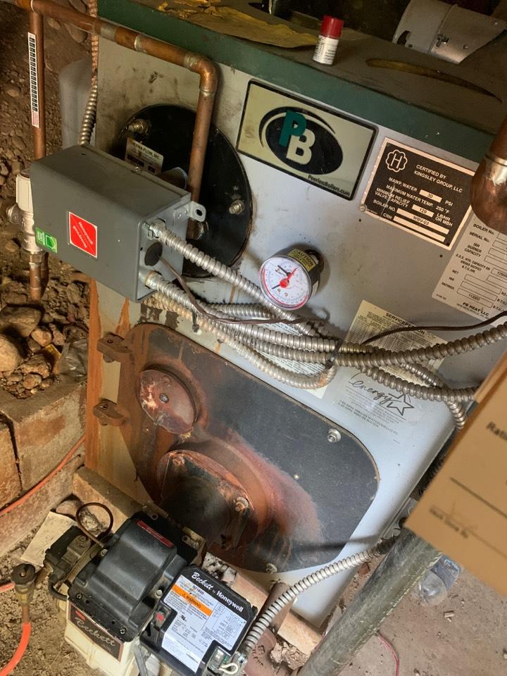 Leominster, MA - Peerless oil boiler cleaning