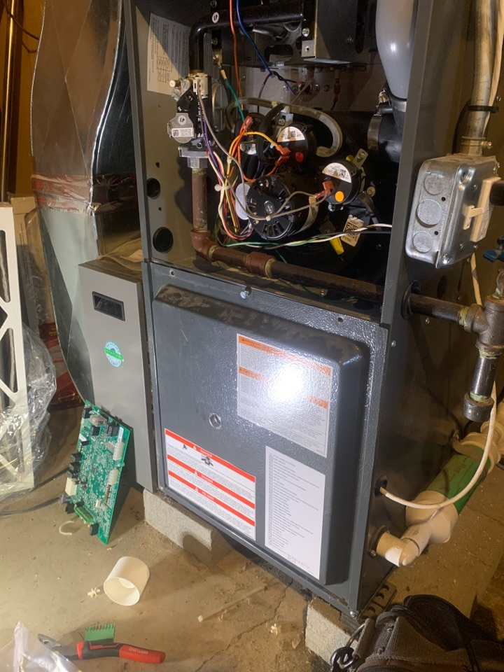 Southbridge, MA - Service on a n a Goodman gas furnace