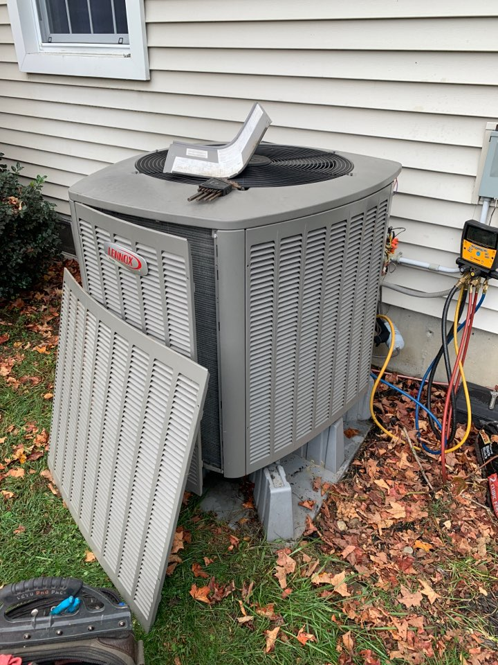 Oxford, MA - Lennox heat pump cleaning and service parts replacement