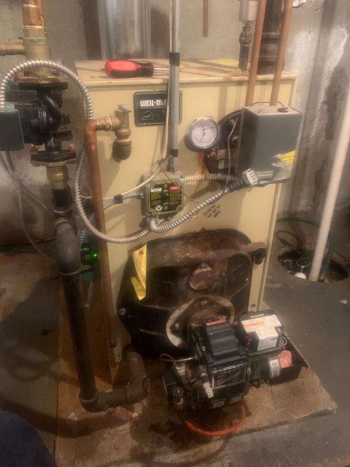 West Boylston, MA - Service on a Weil McClain oil boiler