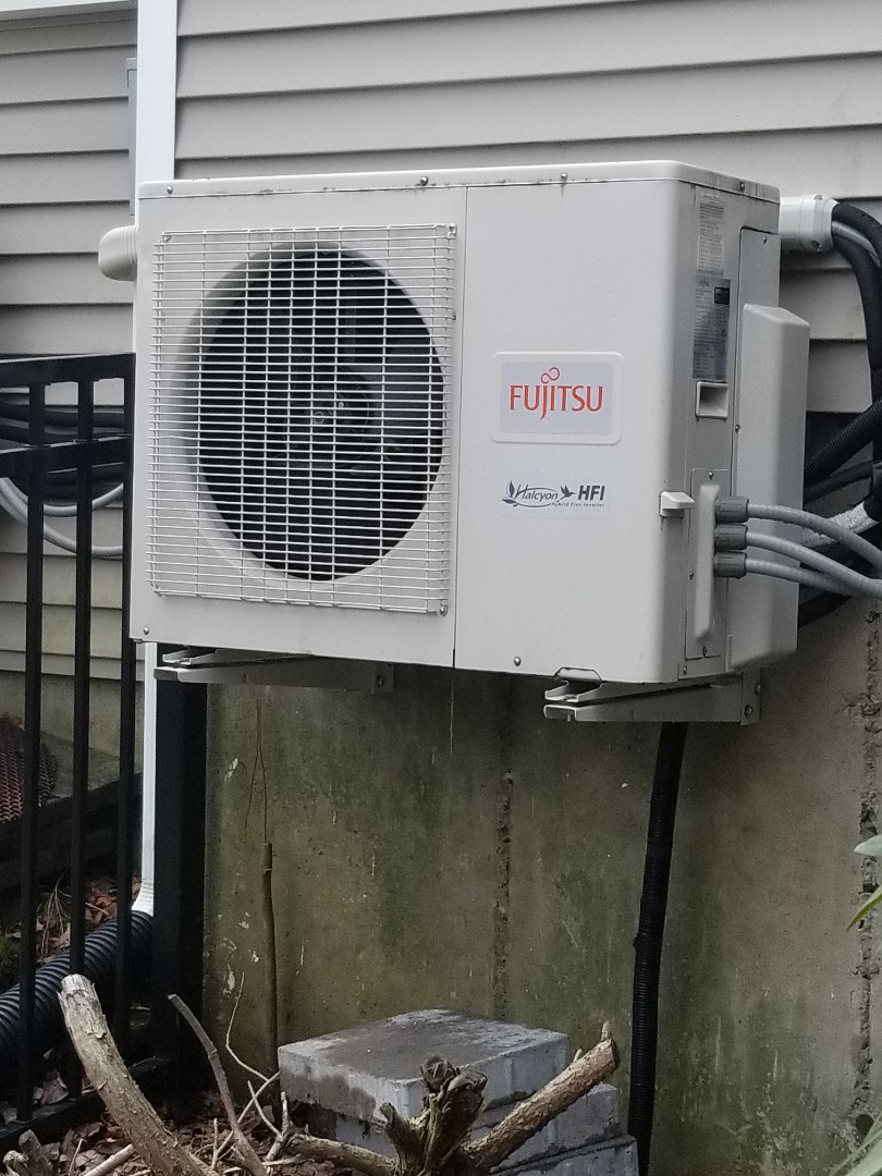 Millbury, MA - Clean and service fujitsu ductless mini split unit