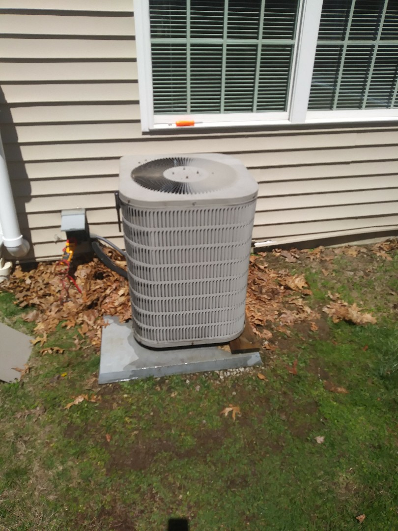 West Boylston, MA - Performing clean and check on Goodman a/c system
