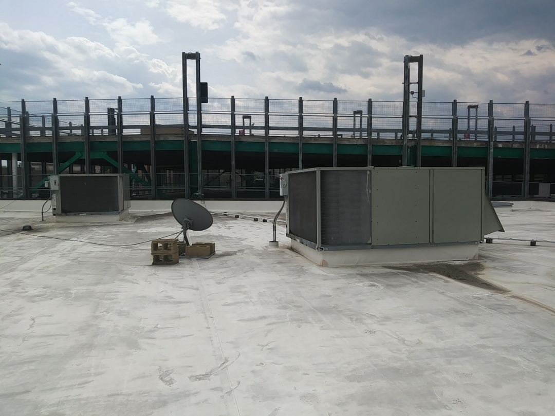 Fitchburg, MA - Working on Trane rooftop units