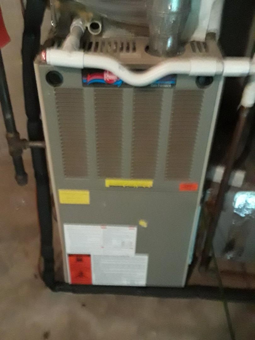 Auburn, MA - Clean and cgeck Rheem gas heating unit
