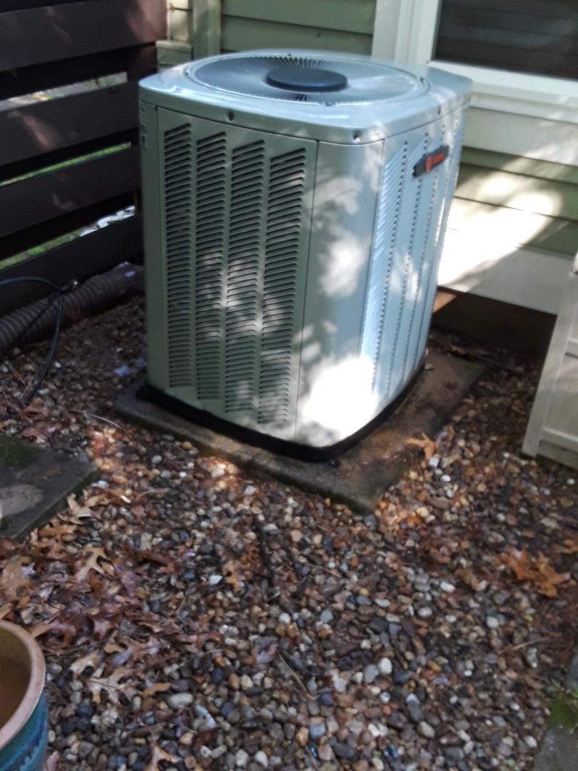 Fitchburg, MA - Clean and check Trane AC Unit