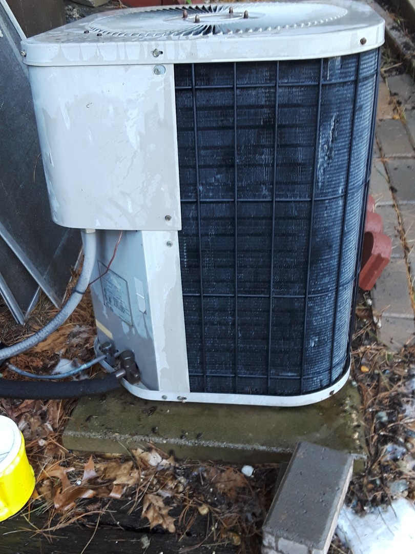 Lunenburg, MA - Clean and check Goodman AC unit
