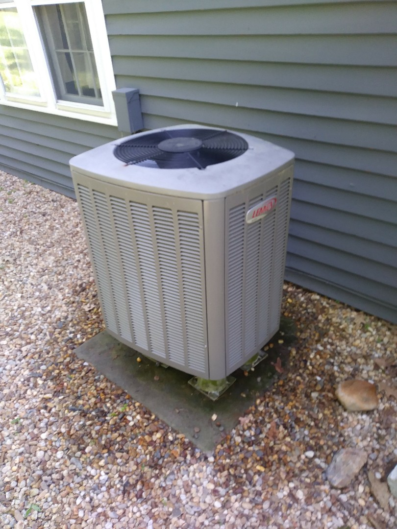 Boxborough, MA - Performing clean and check on lennox heat pump air conditioning system