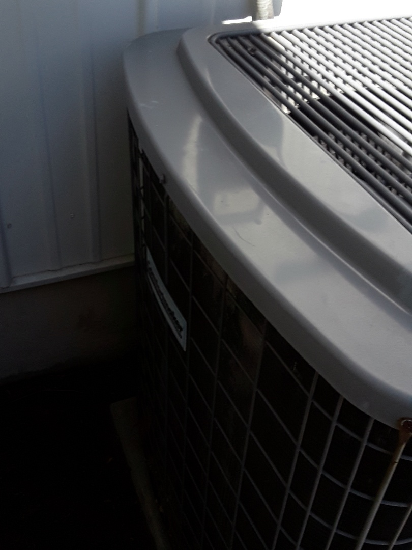 Leominster, MA - AC repair on a Comfort Maker unit