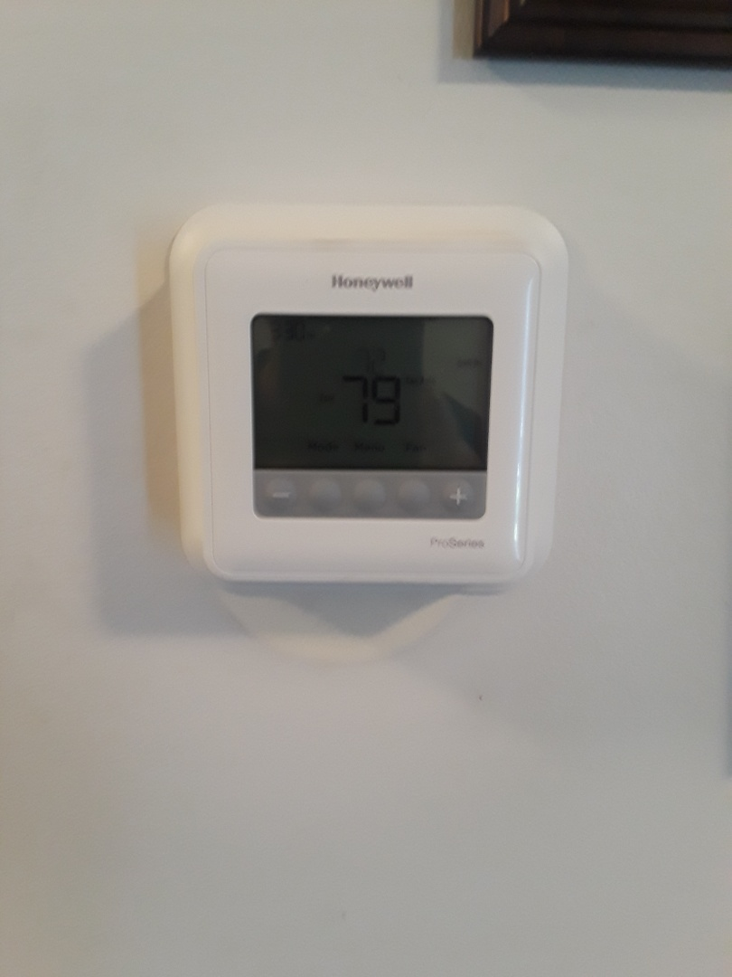 Leominster, MA - Honeywell T4 Pro thermostat replacement