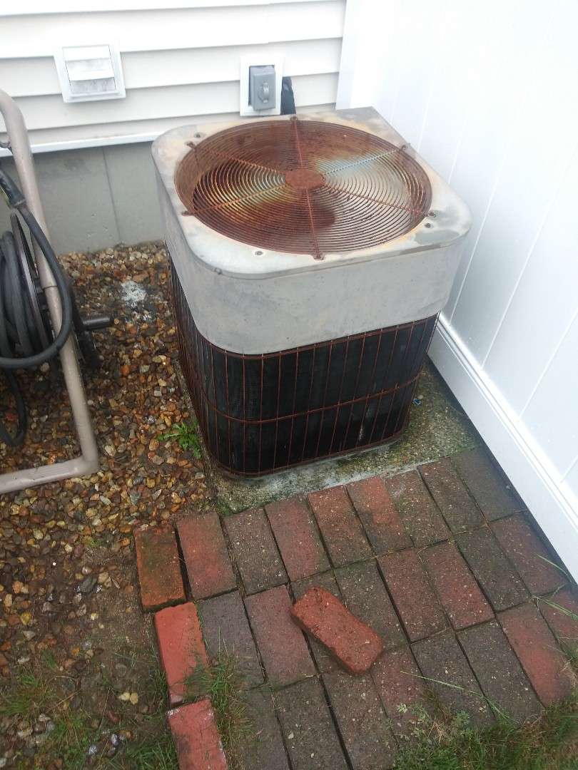 Worcester, MA - Performing clean and check on lennox central heating and air conditioning system