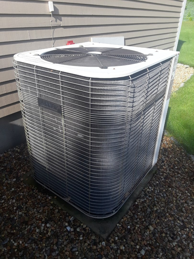 Leominster, MA - Clean and check Lennoc AC unit
