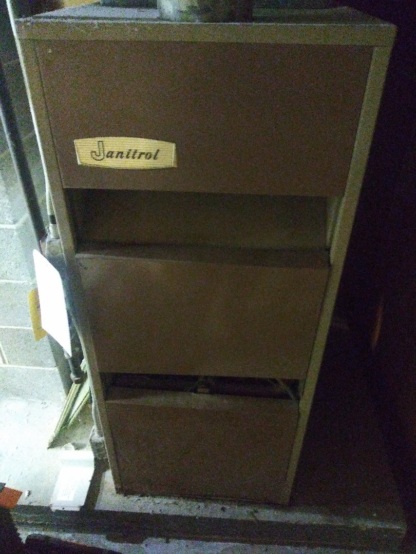 Marlborough, MA - Servicing janitrol furnace