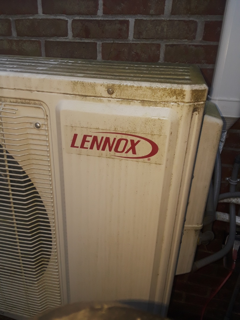 Holden, MA - Repair on a Lennox unit