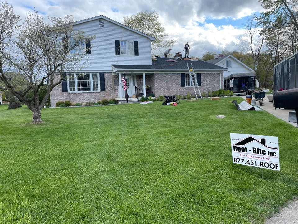 White Lake charter Township, MI - Roof replacement by Roof-Rite inc. GAF Timberline NS charcoal