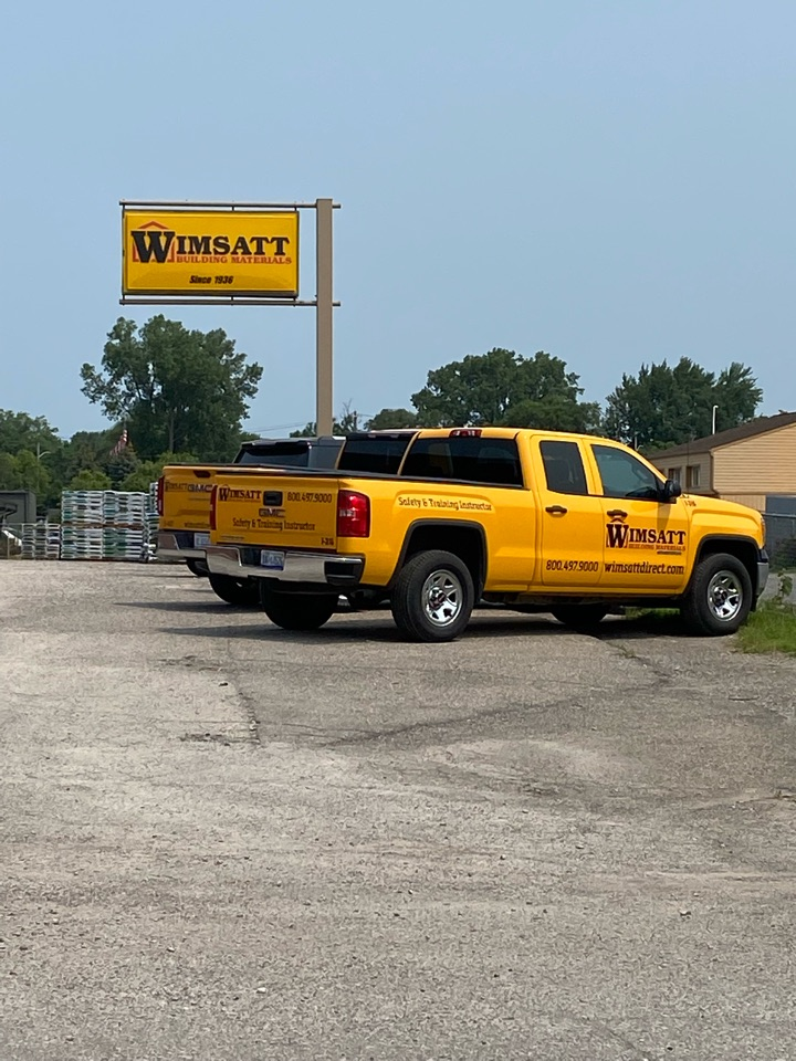 Waterford Township, MI - Picking up a little extra roofing material at Wimsatt in Waterford. Great service!