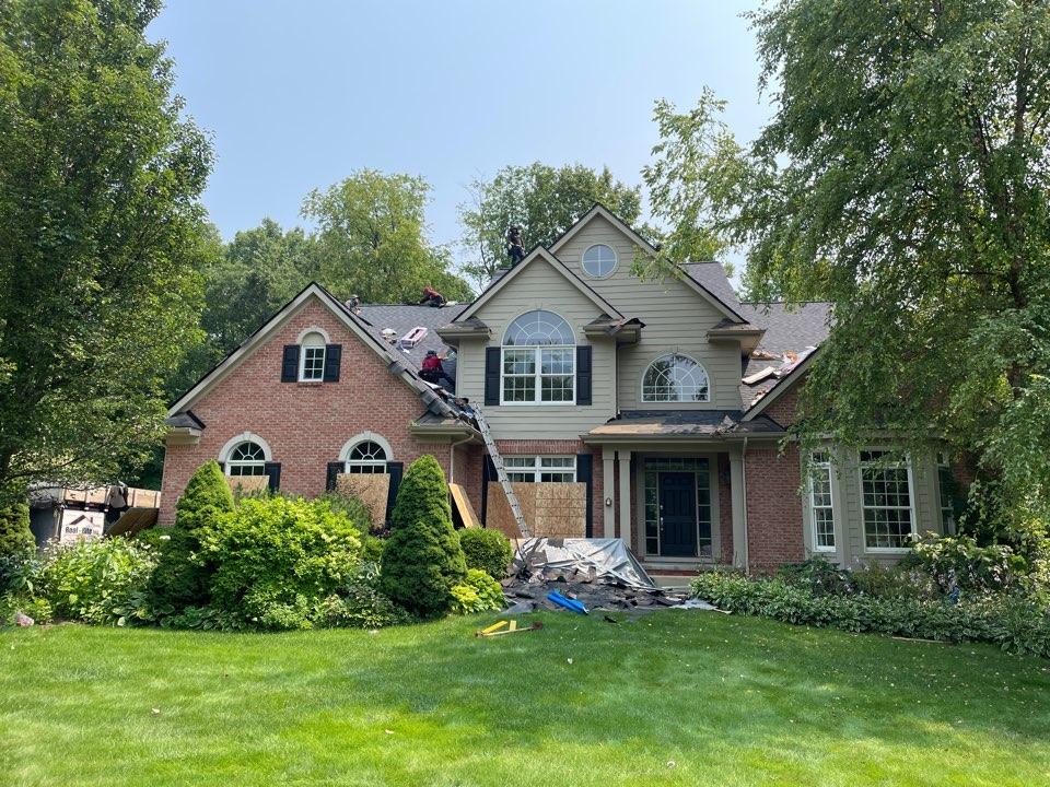 White Lake charter Township, MI - Roof replacement Certainteed landmark pro Moire Black