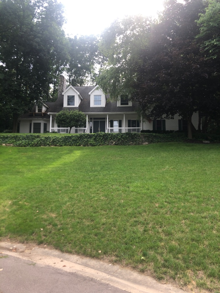 Milford Charter Township, MI - Roofing quotein Milford Michigan roof rite