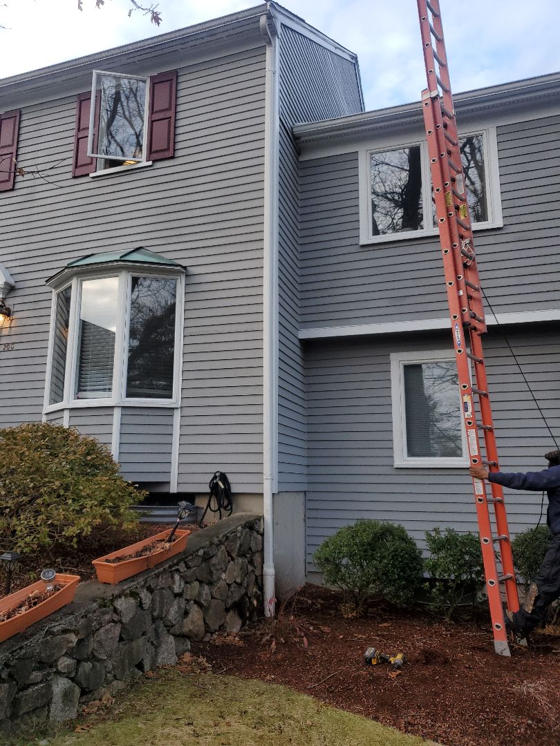 Peabody, MA - reattached downspout to gutter