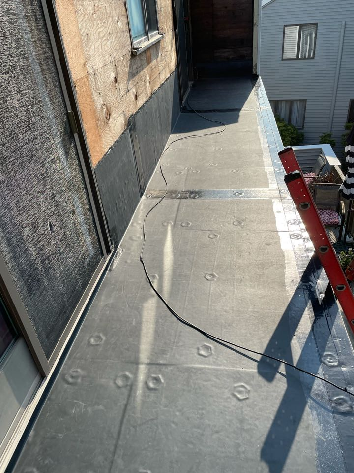 Marblehead, MA - Installed new epdm peel and stick roofing system