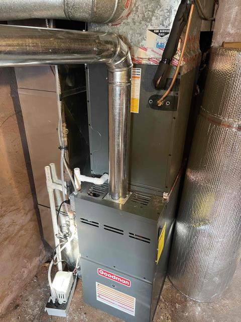 Philadelphia, PA - Sammie is  Vietnam veteran and now at the age of 72 he will have on Air Condition for the first time. We a Installed a new Goodman Gsx14 SEER with a matching  Goodman 80% Furnace  and a new return for the second floor.