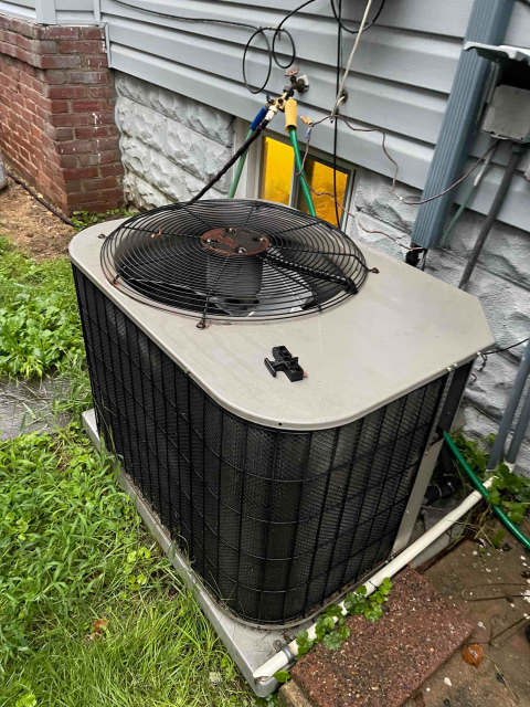 Glenolden, PA - Diagnosed system and found contactor burnt out causing capacitor and condenser fan motor to also burnt out.   Recommend system replacement customer opted for repair only.   Repair done  Capacitor replacement  Contactor replacement  Condenser fan motor replacement