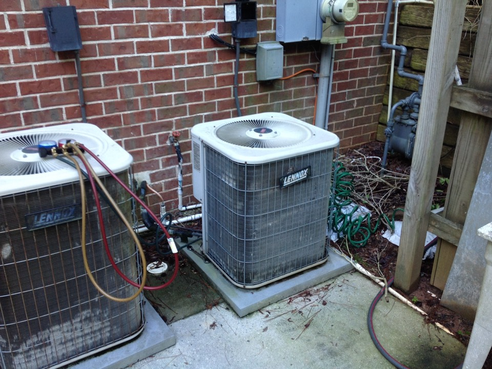 Fayetteville, GA - Air Conditioning Repair on a Lennox!