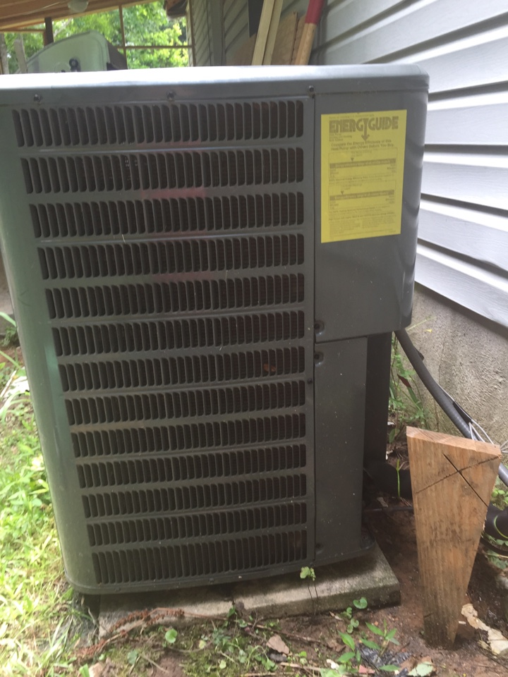 Loganville, GA - Repair on a Goodman air conditioning system