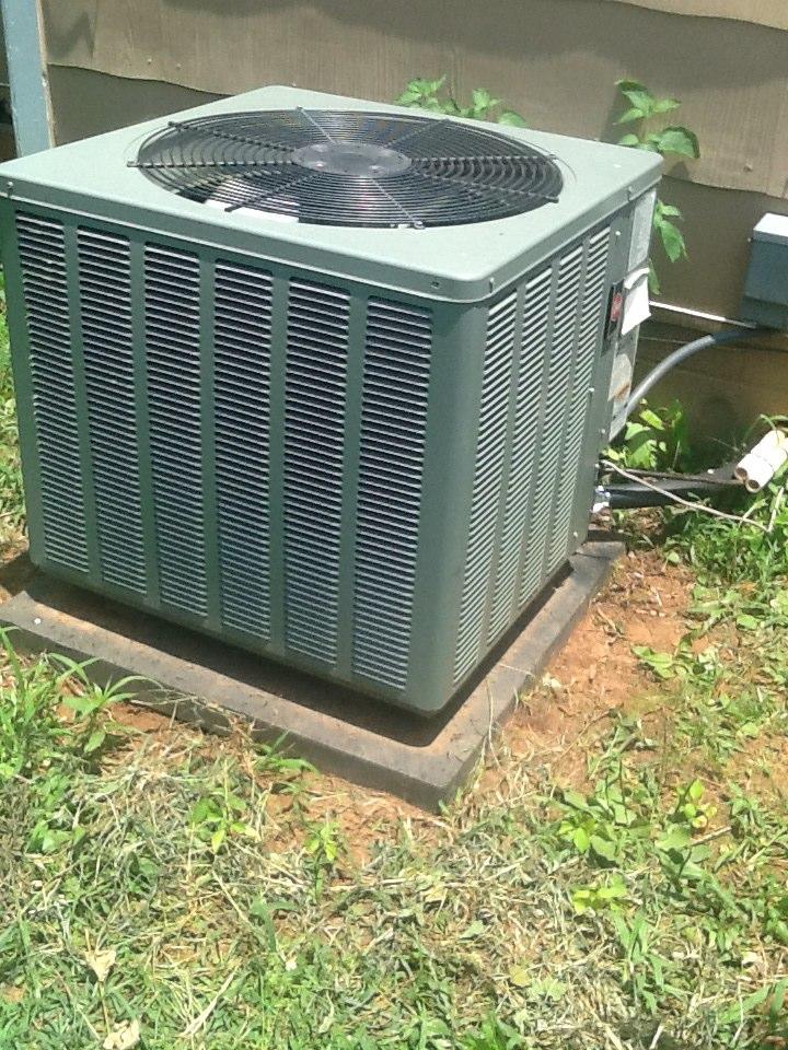 Cedartown, GA - REPAIRING RHEEM AIR CONDITIONER
