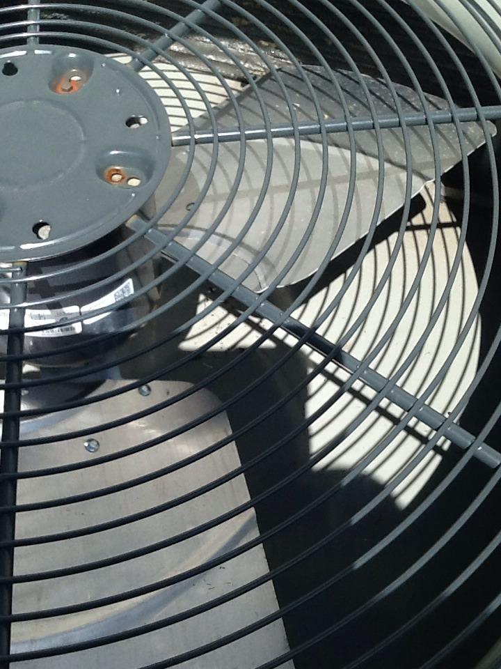 Cedartown, GA - Replacing air condition fan blade