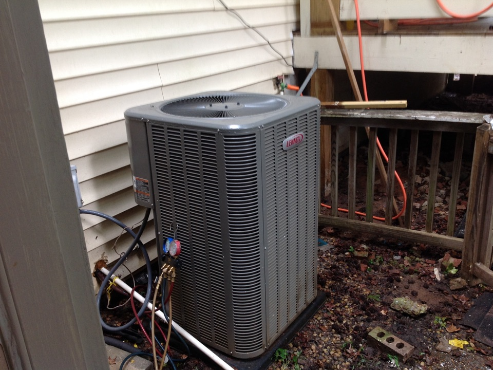 Jonesboro, GA - Air Conditioning Repair on a Lennox Heat Pump