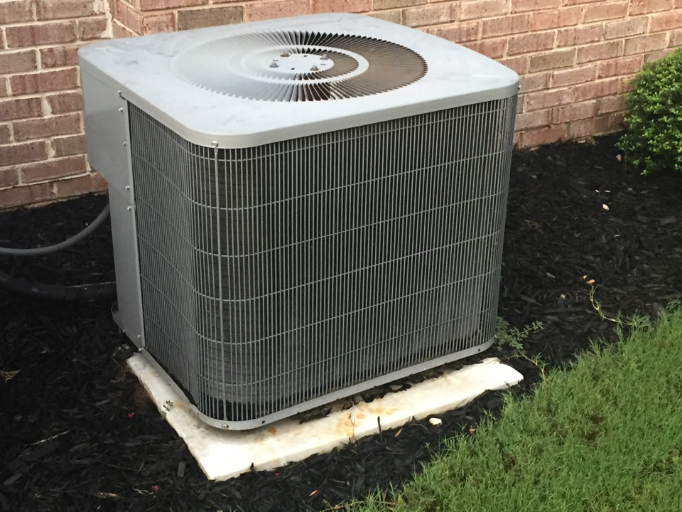 Loganville, GA - Repair on a Comfortmker air-conditioning system