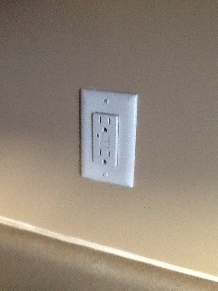 Gainesville, GA - Electrical repair replaced gfci outlet