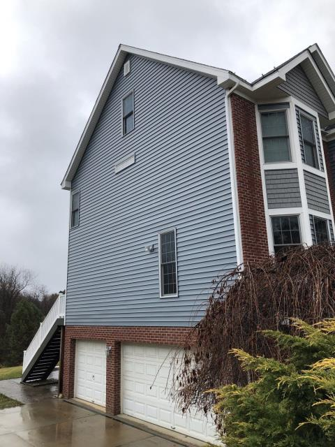 Gibsonia, PA - New Mastic Siding Installed