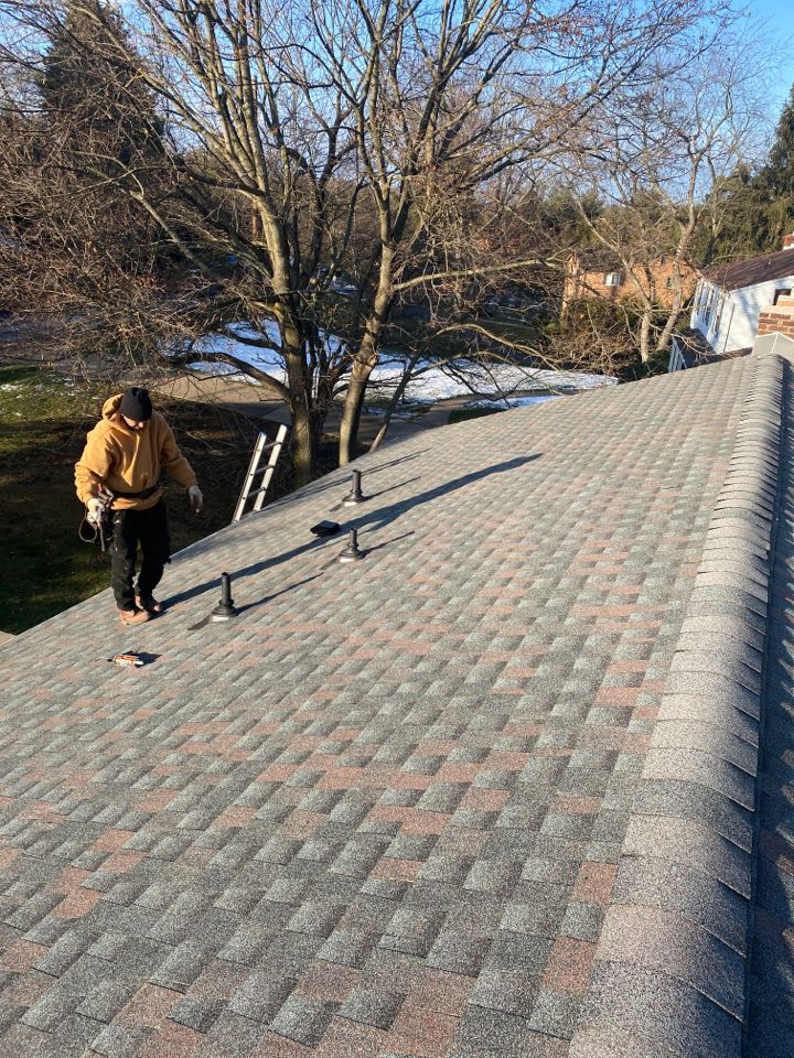 McCandless, PA - The Best GAF Master Elite Contractor near me installing a Timberline HDZ shingled roof in Williamsburg Slate. Sharp looking roof!