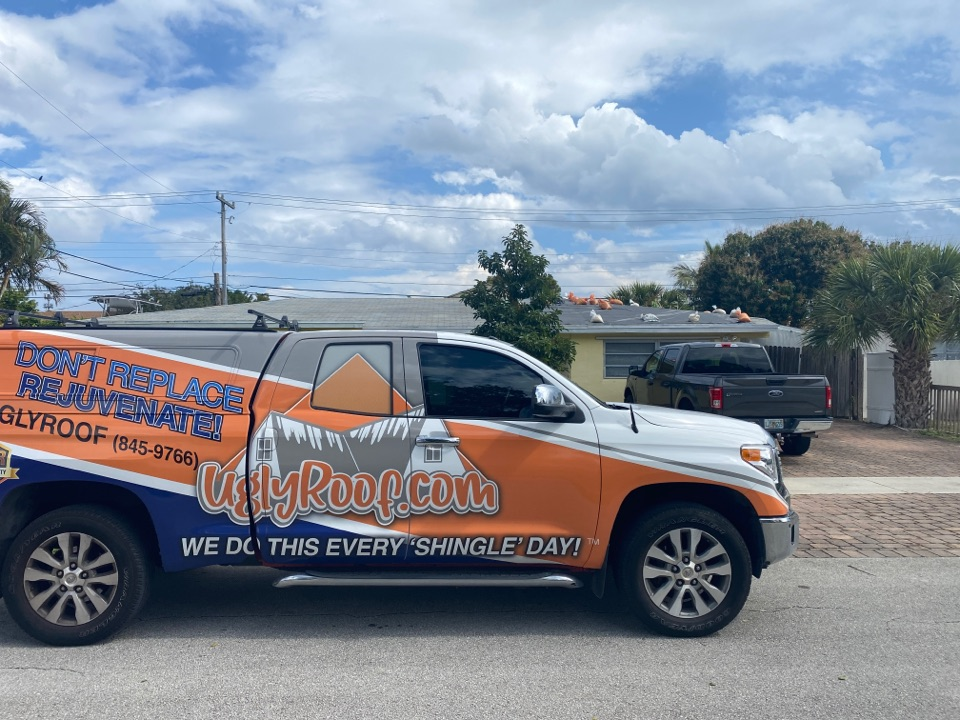 Boca Raton, FL - Roof inspection for a roof replacement by the best roofing contractor near you