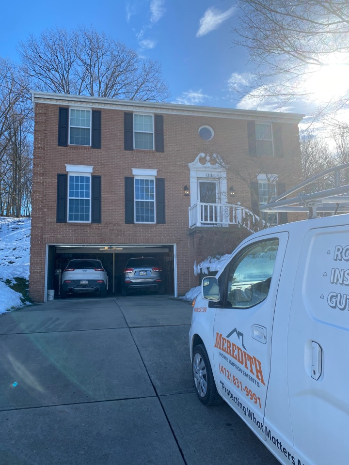 Bethel Park, PA - Inspecting a home for roof replacement as a GAF Master Elite contractor in Pittsburgh, Pa.