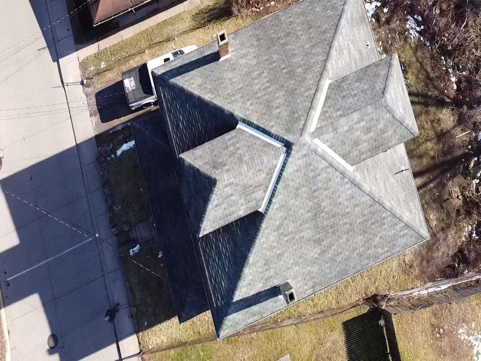 Coraopolis, PA - Looking for the best roofing contractor near me now