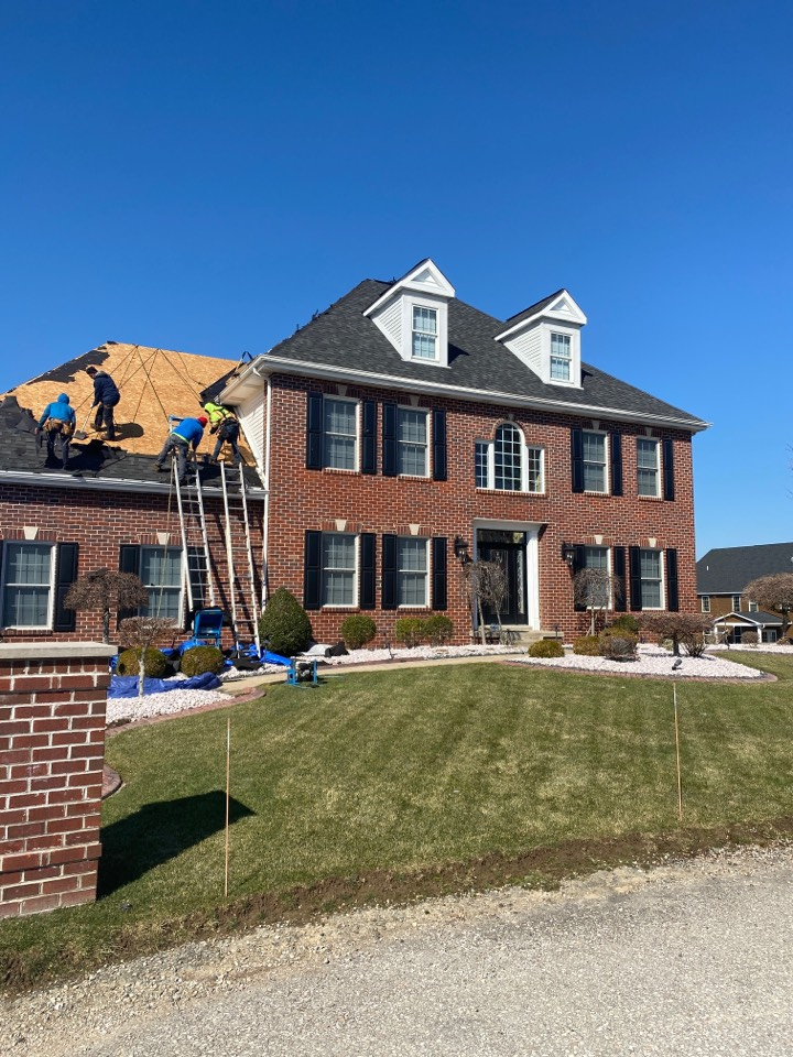 Jeannette, PA - The Best GAF Master Elite Contractor near me doing a roof repair for a wind damaged roof.