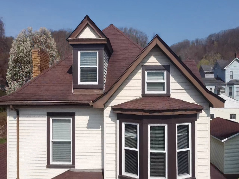 Bethel Park, PA - Best roofing contractor in Pittsburgh, roof is leaking in need of a roof replacement