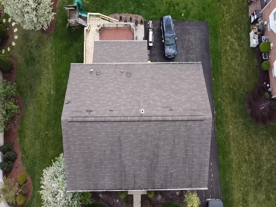 Pittsburgh, PA - Best GAF Master Elite Roofing Contractor in Pittsburgh. We're doing a free inspection out here in PGH MHI roofing doing a drone inspection for wind damage call us 412-722-9166