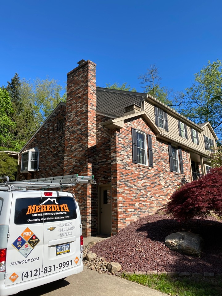 McMurray, PA - Inspecting a home for roof replacement as a GAF Master Elite contractor in McMurray Pa.