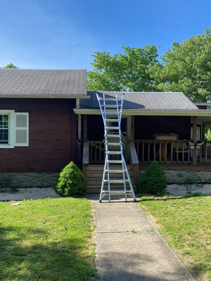 Gibsonia, PA - The Best GAF Master Elite Contractor in Allison Park doing a roof inspection. Looking into roof replacement or roof rejuvenation