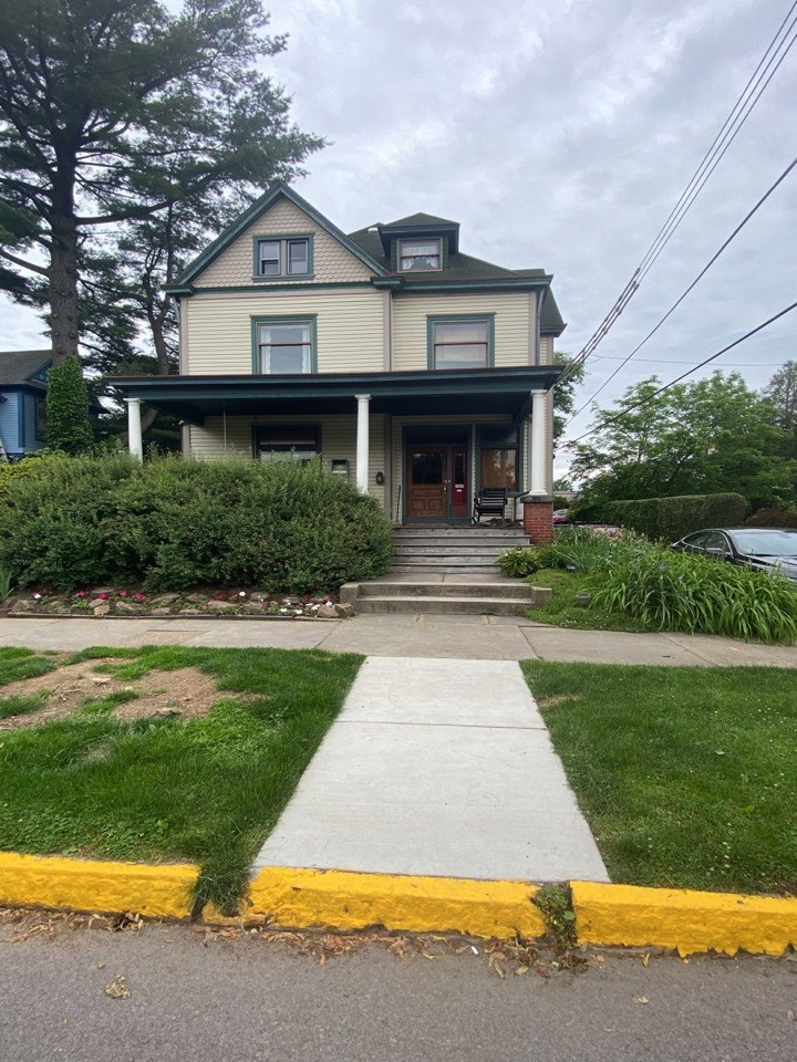 Gibsonia, PA - GAF Master Elite Contractor in Gibsonia. Roof repair along with a roof rejuvenation is great options to extend the life of your roof