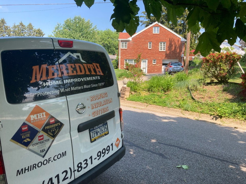 Bridgeville, PA - Need a roofer to look at my roof that is leaking. Interested in GAF timberline HD Z shingles and the golden pledge warranty from GAF