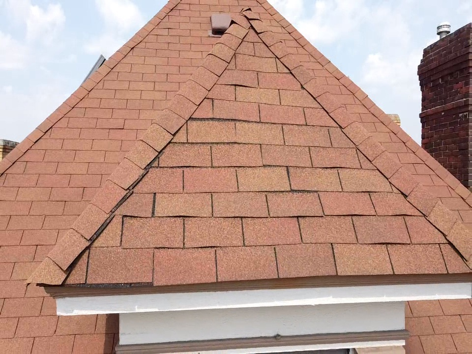 Bridgeville, PA - Looking for the best roofing contractor near me now. Must be licensed and insured. Must have the GAF master elite certification