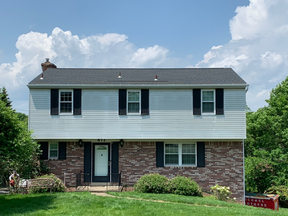 Bridgeville, PA - Installed a roof in Bridgeville, Pa as a GAF Master Elite contractor. The roof comes with a Golden Pledge lifetime leak warranty.