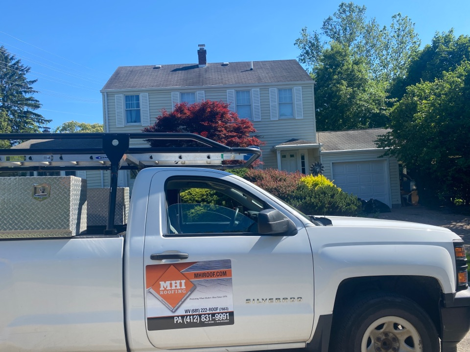 Morgantown, WV - Roof inspection for. GAF timberline HDZ asphalt shingle roof replacement by the best roofing master elite contractor near you